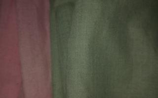Aluslakanat, vaalean punainen& vihreä 150x225cm2     2 kpl