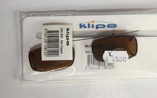 Polarisoidut klipsiaurinkolasit Klips SA8 45 mm ruskea