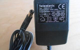 Telematic laturi, Typ: SA28-41-1F, output 4,5V 150mA.