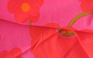 Pinkki retro pöytäliina