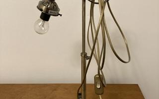 Pöytävalaisin toimiva valaisin lamppu