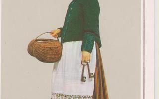 Eesti kansallispuku Naine. Kadrina p174
