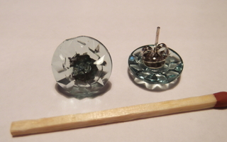 Uniikit vihertävät nappi -korvakorut, yksilöllistä käsityötä