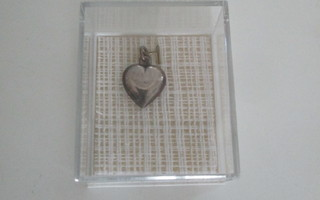hopea riipus sydän