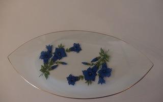 Kaunis vanha lasilautanen, vene. Siniset kukat, kultareunu