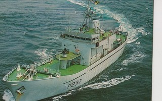 Laiva HMS GUERNSEY P 297 sotalaiva p180