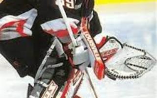 1999-00 Pacific Omega #28 Dominik Hasek